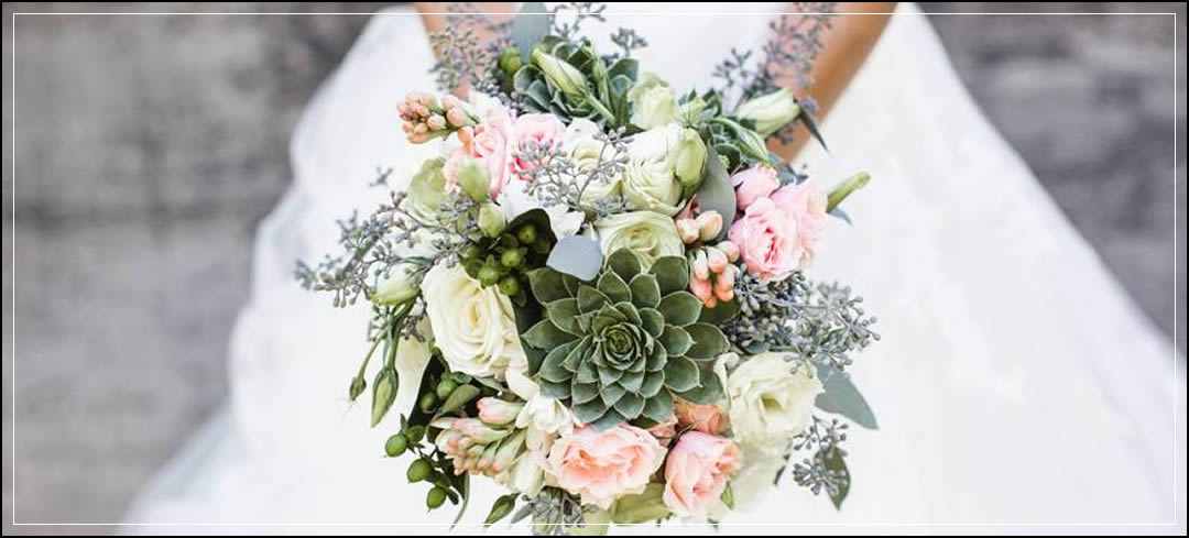 Wedding Flowers / Brown Family Homestead / Jordan & Brittney