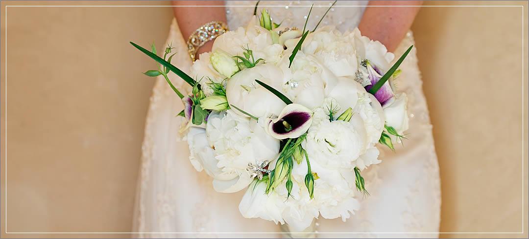 Wedding Flowers / Tsillan Cellars / Aarik & Julia in Chelan