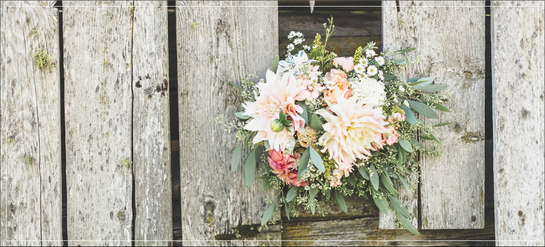 Wedding Flowers / Brown Family Homestead / Charley & Amanda in Leavenworth
