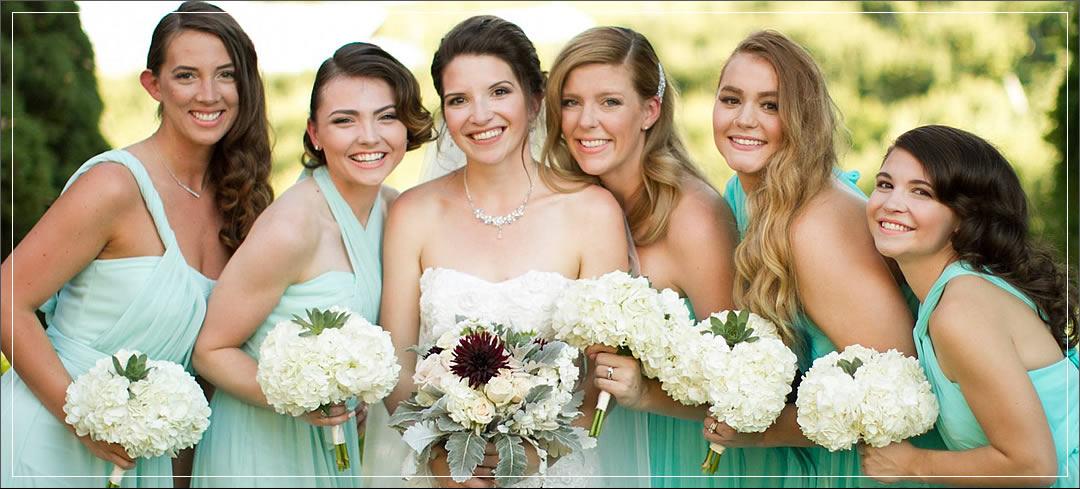 Wedding Flowers / Beecher Hill House / Casey & CarliAnn in Leavenworth