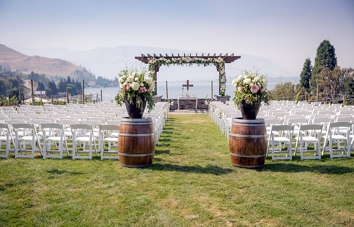 Lake Chelan Vineyard Wedding Venue Images